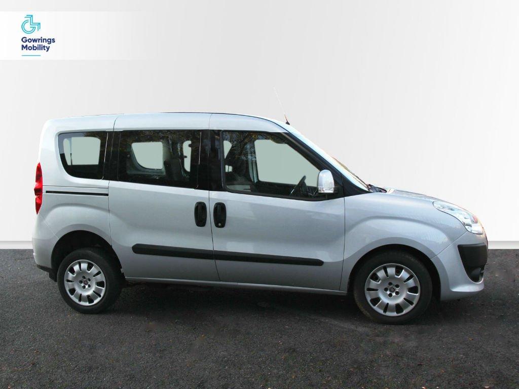 Silver coloured Fiat Doblo SpacePlus WAV YX13 FSV